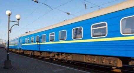 Укрзалізниця збільшила кількість поїздів на великодні та травневі свята