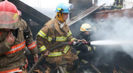 У Дніпрі вогнеборці загасили масштабну пожежу