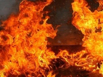 На Дніпропетровщині внаслідок пожежі у нежитловій будівлі постраждали дві людини