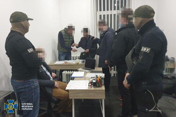 СБУ Дніпропетровщини викрила ділків, які «зливали» криміналітету інформацію про слідчі дії