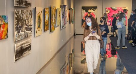 «Ровесники Незалежності»: у дніпровському музеї відкрили виставку картин молодих художників області