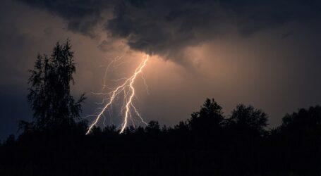 Дощ, гроза та вітер: надзвичайники попереджають про погіршення погоди