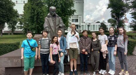 Пам'ятники Кам'янського вивчають місцеві школярі