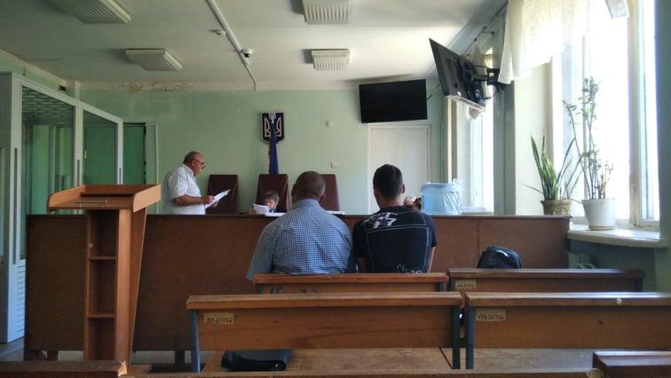 Справа травмованого охоронця в Кам'янському: суд допитав потерпілого