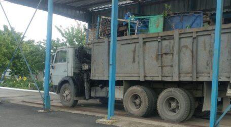 Повну вантажівку незаконно перевезенного металобрухту зупинили на Дніпропетровщині