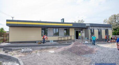 У Кам'янському триває будівництво амбулаторії для жителів Романкового