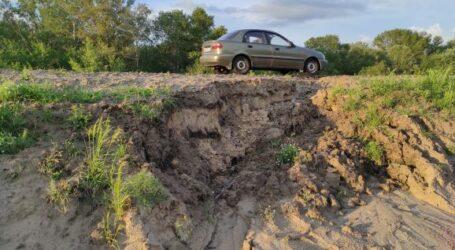 Трассу Каменское-Шульговка после брошенного ремонта разрушают дожди