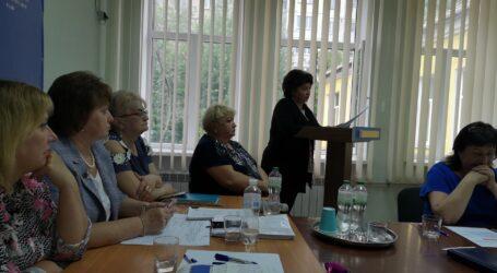 У школах Кам'янського представили нових керівників