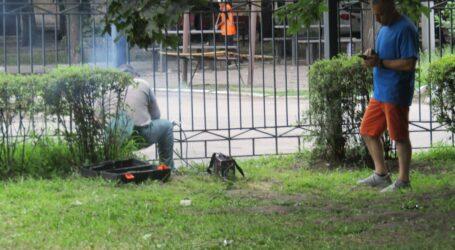 Паркан навколо центрального парку латають в Кам'янському