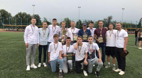 Кам'янський «Дзержинець» – найкраща футбольна команда Дніпропетровської області у ІІ Лізі
