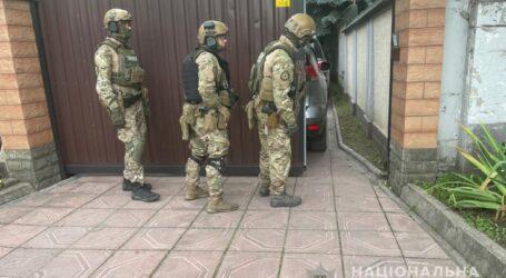 Після 13-годинних перемовин у Кам'янському поліцейські затримали чоловіка, який вбив помічницю по дому