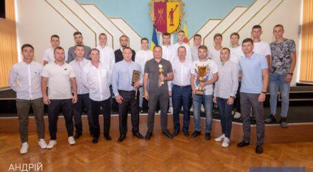 Міський голова Кам`янського привітав ФК «Дзержинець» з перемогою