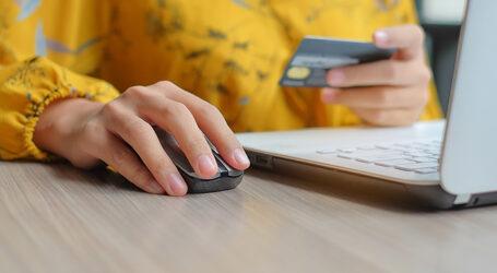 На Дніпропетровщині жінка незаконно оформлювала онлайн-кредити
