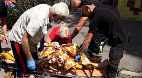 У Кам'янському надзвичайники врятували жінку, в якої стався інсульт