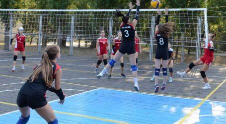 Юные волейболистки из Каменского успешно выступили на Всеукраинском турнире