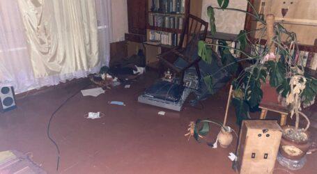 Застукали на гарячому: на Дніпропетровщині мати с сином намагалися пограбувати будинок