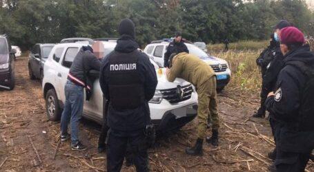 На Днепропетровщине полицейские пресекли рейдерский захват урожая