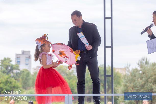 В Каменском открыли реконструированный левобережный парк и новый сквер на Соцгороде - ФОТО