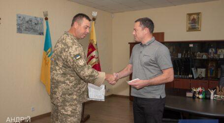Міський голова Кам'янського Андрій Білоусов отримав нагороду за допомогу Збройним силам України