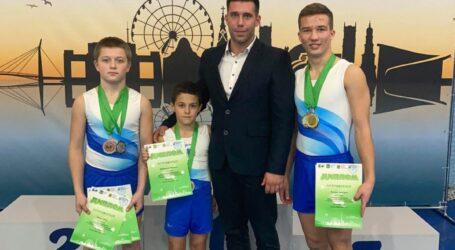 Акробаты из Каменского завоевали 6 медалей на Чемпионате Украины