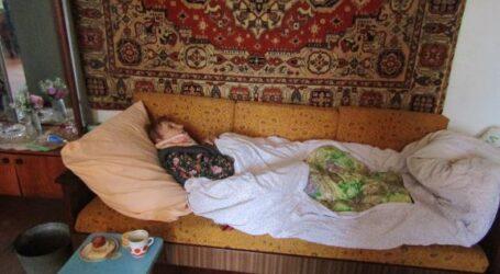 Безпомічну самотню бабусю врятували сусіди та соцпрацівники в Кам'янському
