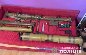 На Днепропетровщине мужчины торговали огнестрельным оружием и взрывчаткой - ФОТО